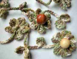 crochet flowers with beads